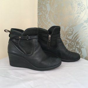 UGG Wedge - Ankle Bootie
